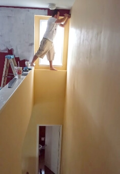 hopematch-during-home-make-over-painter-1
